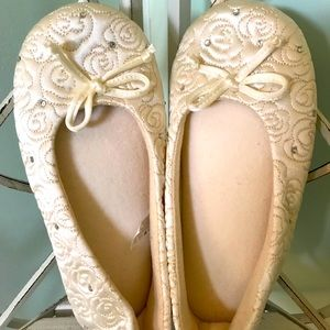 Isotoper bridal slippers
